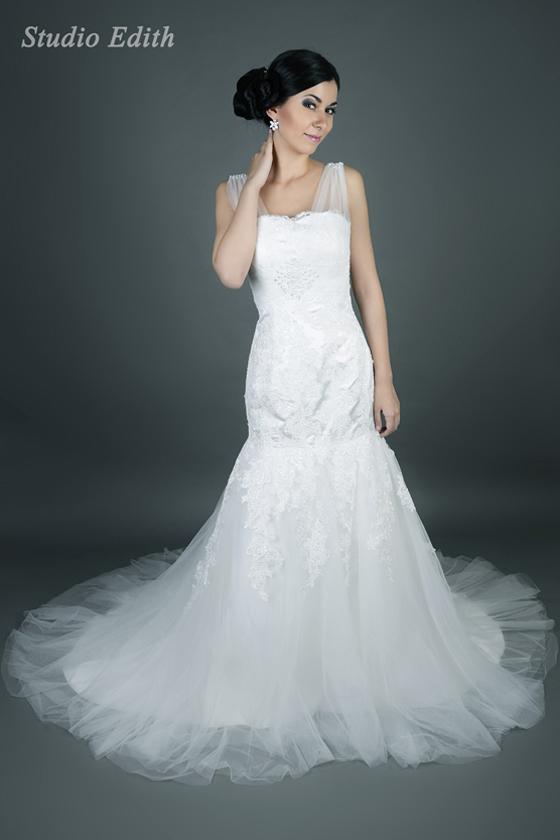 zdjęcia studyjne sukni ślubnych